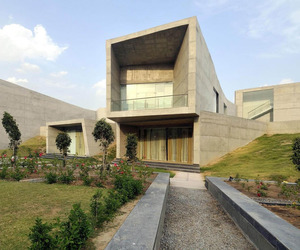 The-courtyard-house-by-sanjay-puri-architects-m