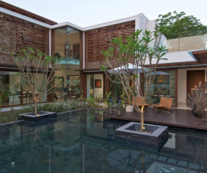 The Courtyard House in India by Hiren Patel Architects