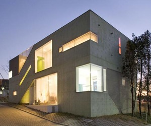 The-cracked-house-in-seoul-m