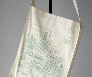 The-eco-friendly-beach-bags-with-colorful-illustrations-2-m