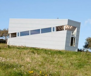 The-incredible-and-rentable-sliding-house-m