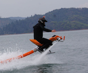 The Jetovator – A Flying, Water Powered Bike