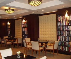 The-library-hotel-for-book-lovers-m