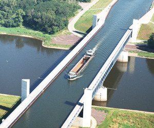 The-longest-navigable-aqueduct-in-the-world-m