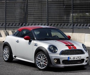 The-new-mini-coupe-m