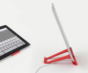 The perfect stand for iPad 2 by moloko