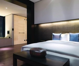 The-puli-hotel-and-spa-in-shanghai-by-layan-design-group-m