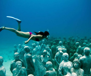 The-spectacular-cancun-underwater-museum-m