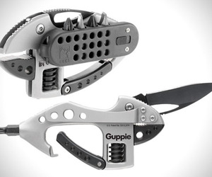 The-ultimate-handheld-multi-tool-crkt-m