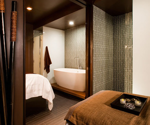 The-wall-streeters-escape-the-setai-club-spa-m