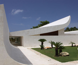 The-wave-house-by-a-cero-in-dominican-republic-m