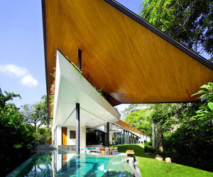 The-winged-house-by-k2ld-architects-m