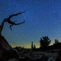 Timelapse-filmed-during-meteor-shower-in-california-s