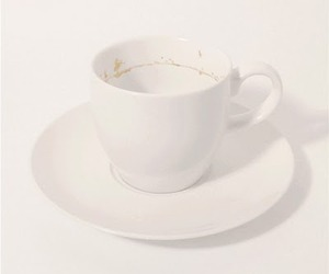 Tiny-landscape-in-a-coffee-cup-m