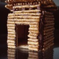 Tiny-modern-gingerbread-house-s