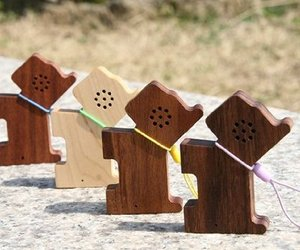 Tiny-wood-pet-speakers-from-motz-m