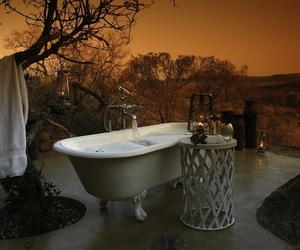 Top-20-sensual-outdoor-bathrooms-m