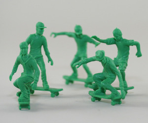 Toyboarders-a-peaceful-twist-on-toy-soldiers-m