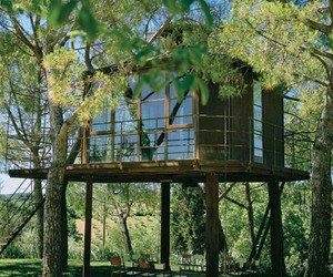 Treehouse-in-toscany-italy-by-riccardo-barthel-m