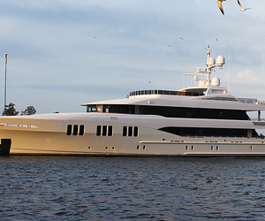 Trinity-yachts-first-2011-delivery-m