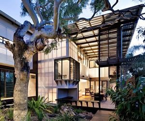 Tropical-coastal-dwelling-in-australia-m