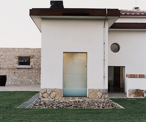 Tuscan-farmhouse-transformation-by-labics-m