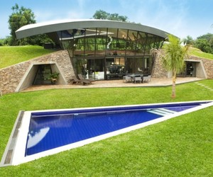 Two Homes in Luque, Paraguay by BAUEN