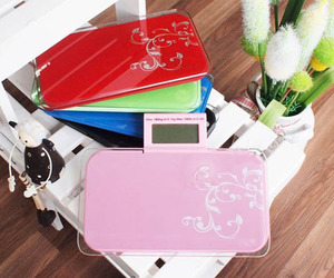 Ultra-portable-digital-bathroom-scale-m