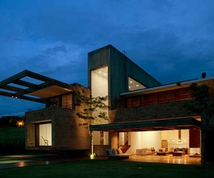 Unique-quinta-da-baroness-house-by-studio-arthur-casas-m