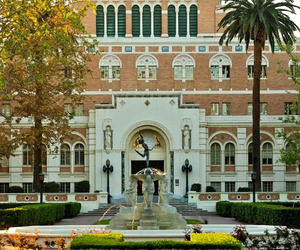 University-of-southern-californias-romanesque-architecture-m