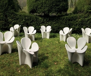 Unusual-clover-garden-chair-by-ron-arad-m
