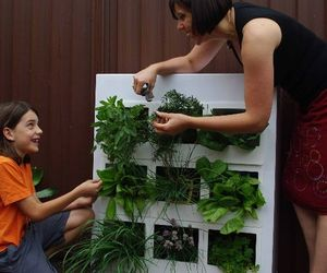 Urb-garden-sustainably-green-indoor-planting-unit-m