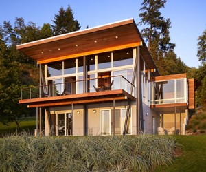 Vashon Island Cabin by Vandeventer + Carlander Architects