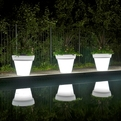 Vazon-magnum-translucent-planters-s
