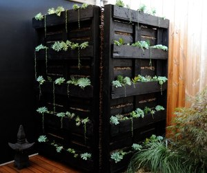 Vertical-planters-from-h2o-designs-m