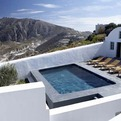 Villa-fabrica-a-sleek-and-stylish-retreat-on-santorini-s