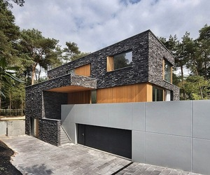 Villa in the Woods by Zecc Architecten