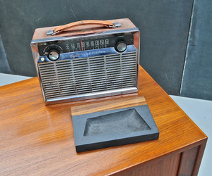 Vintage-8-transistor-ge-portable-chrome-radio-m