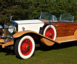 Vintage-british-autos-on-the-auction-block-m