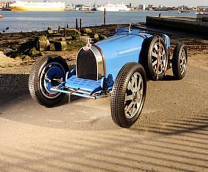 Vintage-bugatti-bought-for-60-sells-for-430000-m
