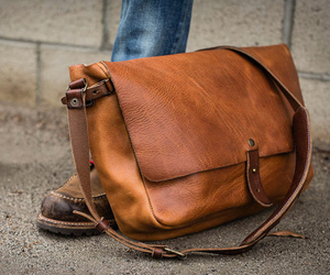 Vintage-messenger-bag-by-whipping-post-m