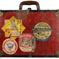Vintage-roller-skate-carrying-case-with-rink-stickers-2-s