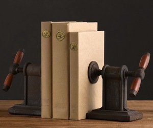 Vise-bookends-m