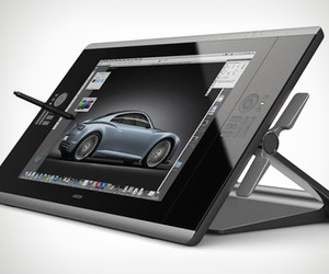 Wacom-cintiq-24hd-interactive-pen-display-m