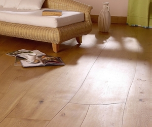 Waldilla - Curvy Wooden Floor