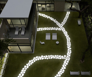 Walkover-lighting-by-serralunga-for-a-dazzling-garden-m