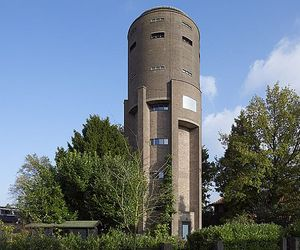 Water-tower-house-by-zecc-architects-m