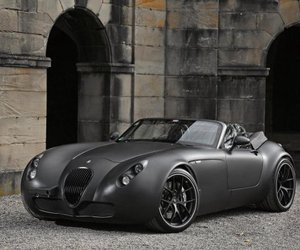 Wiesmann-roadster-mf5-v10-black-bat-m