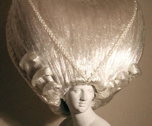 Wigs-dresses-made-of-plastic-wrap-m