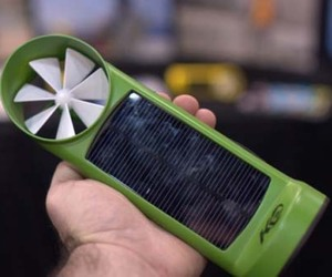 Wind-and-solar-charger-by-kinesis-2-m